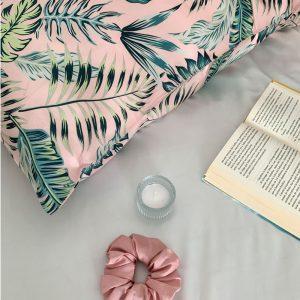 față de pernă din mătase tropicală