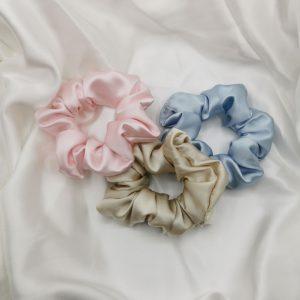 Elastic de păr din mătase roz